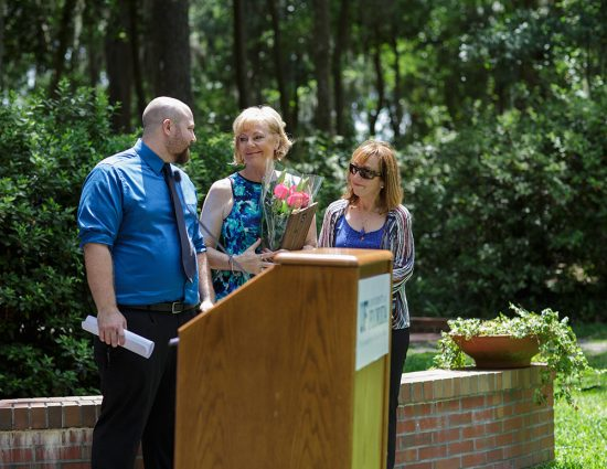 Late psychiatrist Richard Christensen received the Hippocratic Award from the class of 2016. His family accepted the award on his behalf during a ceremony May 3. Photo by Mindy C. Miller