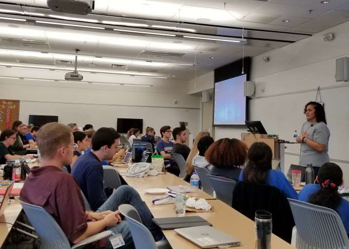 Alum hosts Pizza with a PA to share advice with students